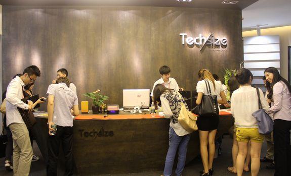 西班牙德赛斯组织深圳设计师团参观超薄岩板